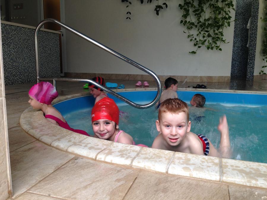 Занятия с детьми в бассейне клуб Смайлик (8)