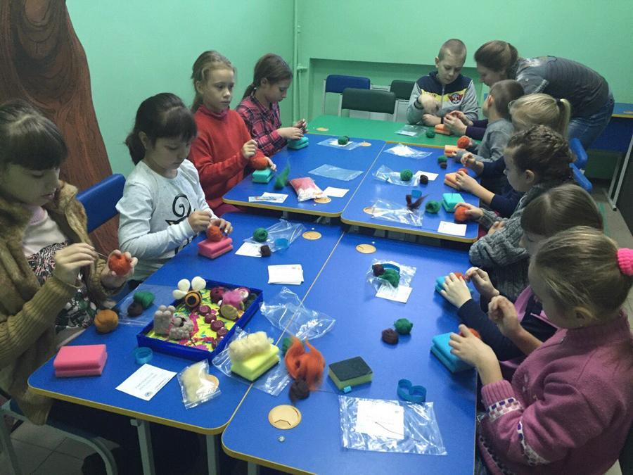 Валяние из шерсти занятия в детском клубе Смайлик (6)