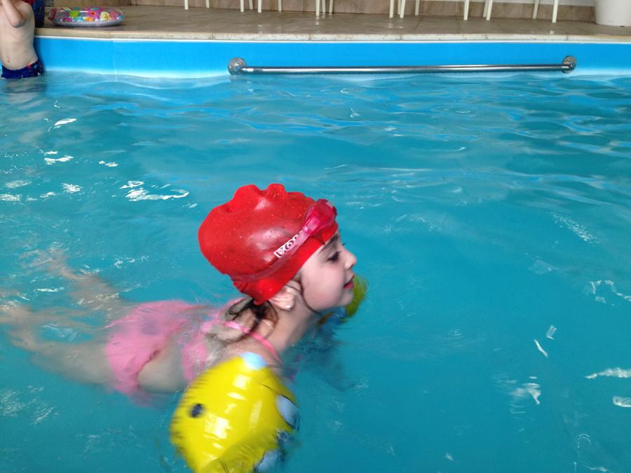 Занятия с детьми в бассейне клуб Смайлик (10)