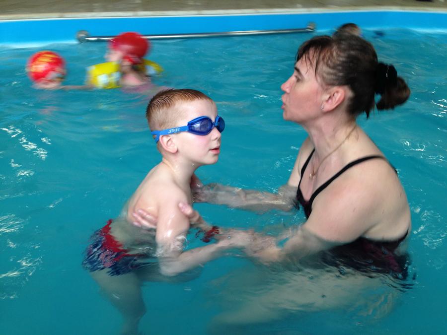 Занятия с детьми в бассейне клуб Смайлик (12)