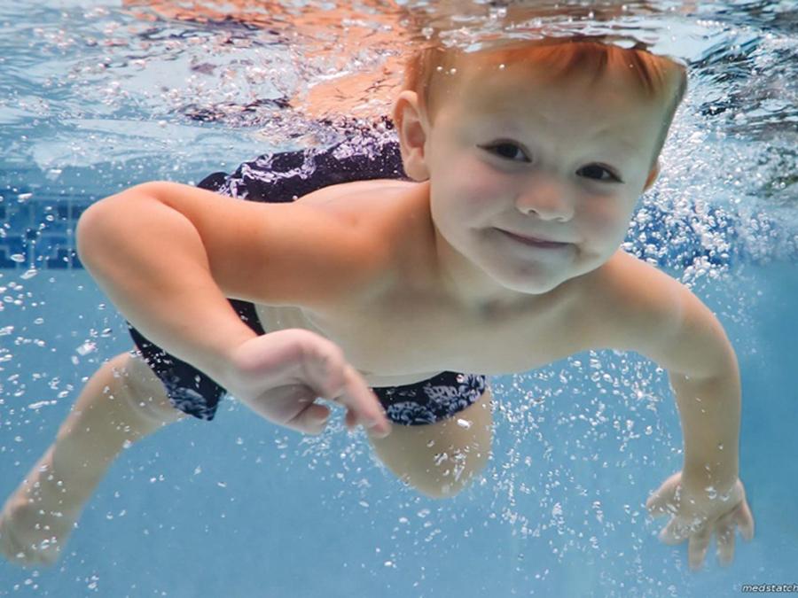Занятия с детьми в бассейне клуб Смайлик (14)
