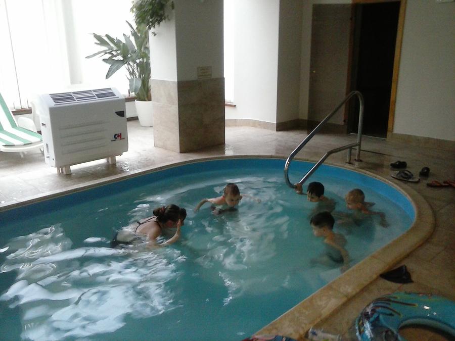 Занятия с детьми в бассейне клуб Смайлик (5)