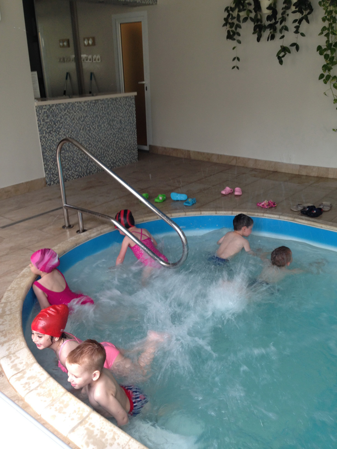 Занятия с детьми в бассейне клуб Смайлик (7)